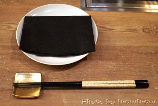 金ピカの箸と箸置き