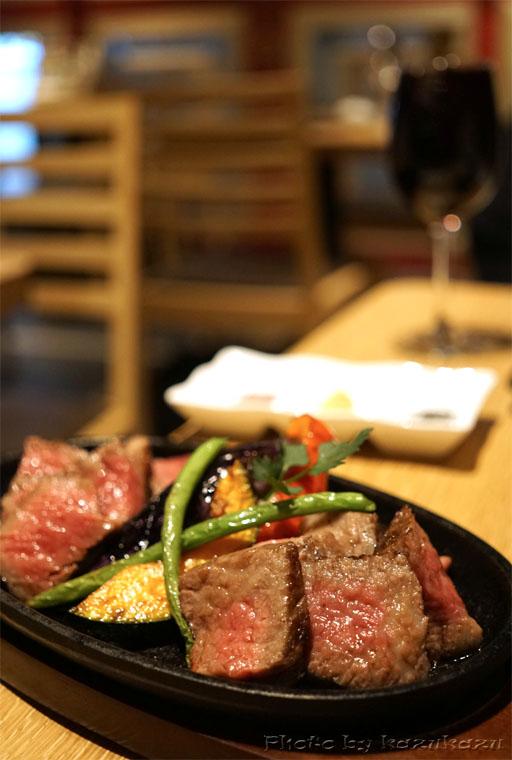 Meet Meats 5バル神保町店のミスジとトモサンカク