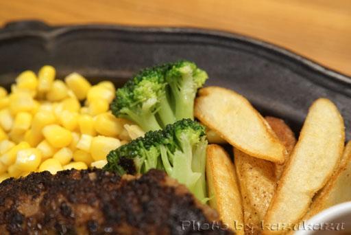 お台場のHamburg&Steak HIROのハンバーグの付け合わせ