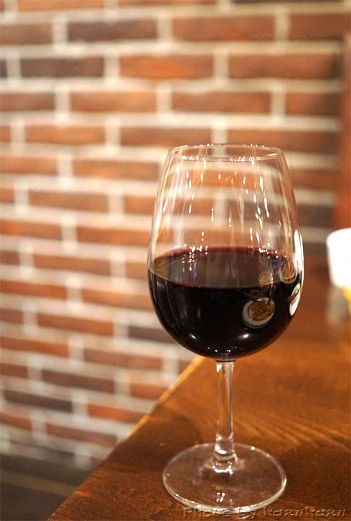 二子玉川に構えるビストロランタンの赤ワイン