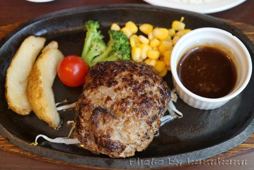 東京都豊島区池袋にある宮崎亭の宮崎産和牛のハンバーグ