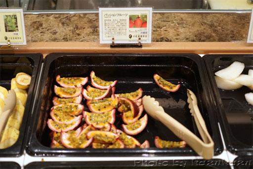 千疋屋総本店の世界のフルーツ食べ放題のパッションフルーツ