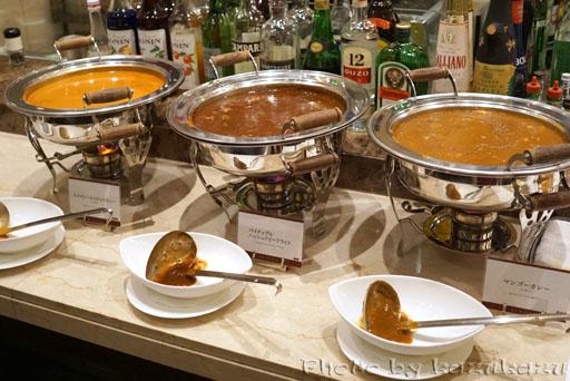 千疋屋総本店の世界のフルーツ食べ放題のカレーライス
