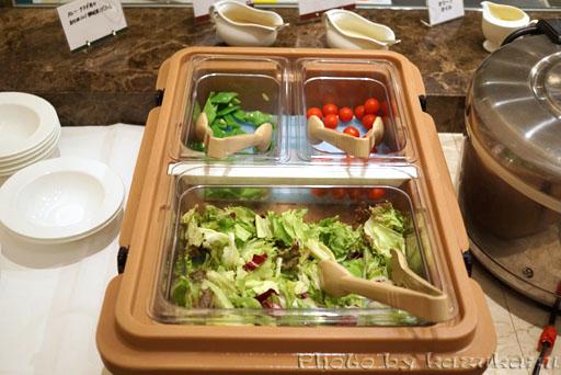 千疋屋総本店の世界のフルーツ食べ放題のビュッフェサラダ