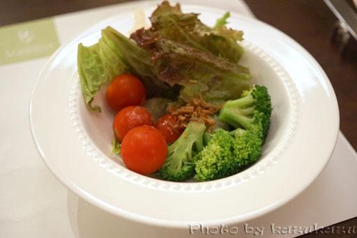 千疋屋総本店の世界のフルーツ食べ放題のサラダ