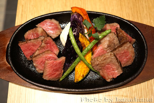 Meet Meats 5バル神保町店の赤身肉グリル